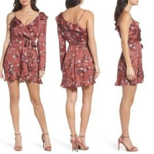 Bardot Sz L 10 One Sleeve Floral Dress  LOVE!!